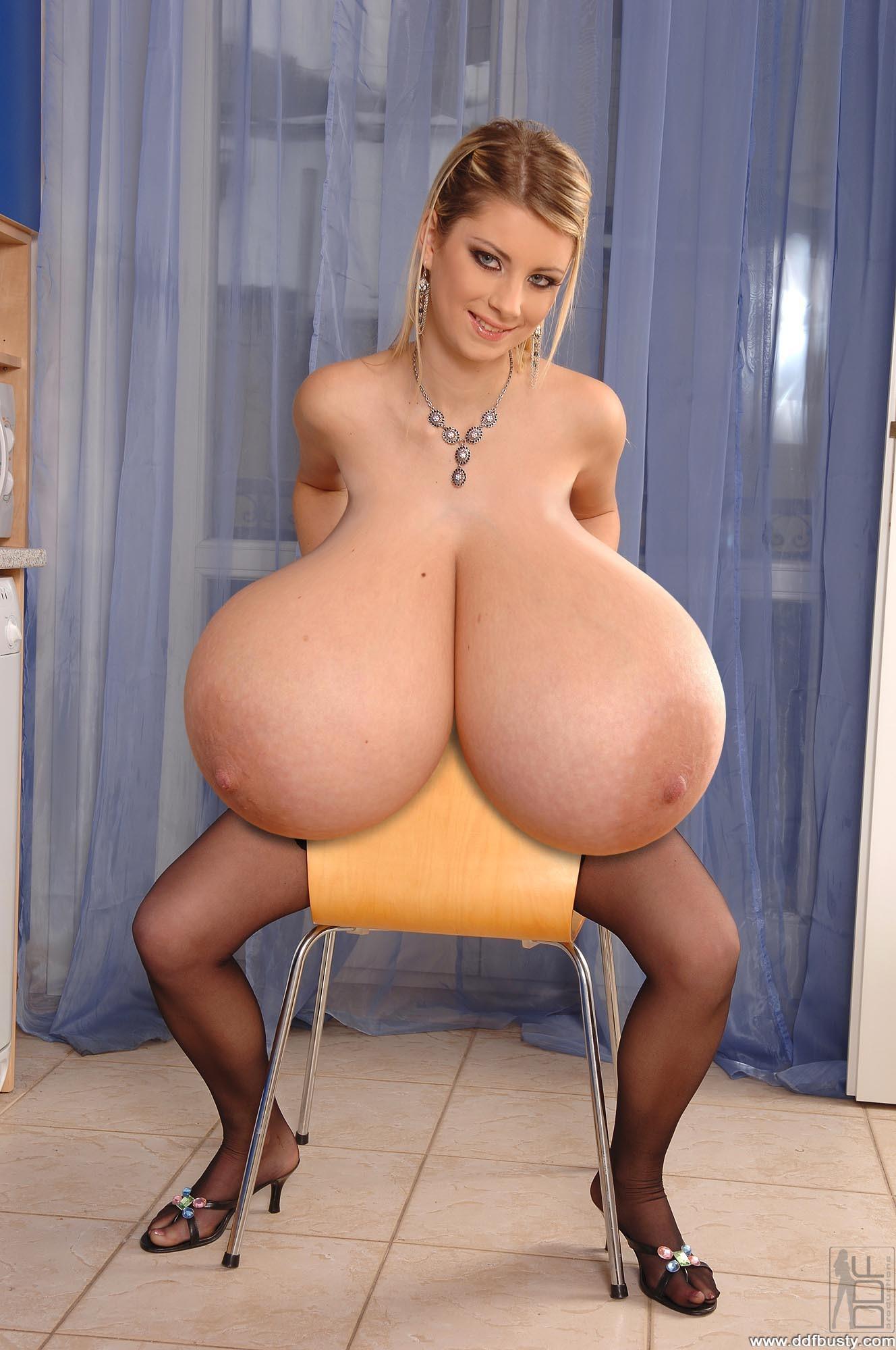 Русские женщины самые огромные титьки